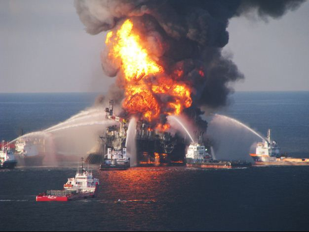 fire on rig of gulf oil spill
