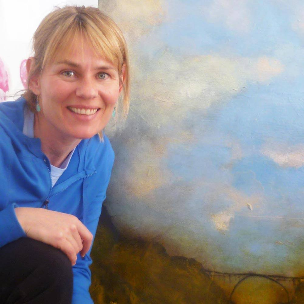 Astrid Parups-Dragoy in front of her new painting by Sam Roloff